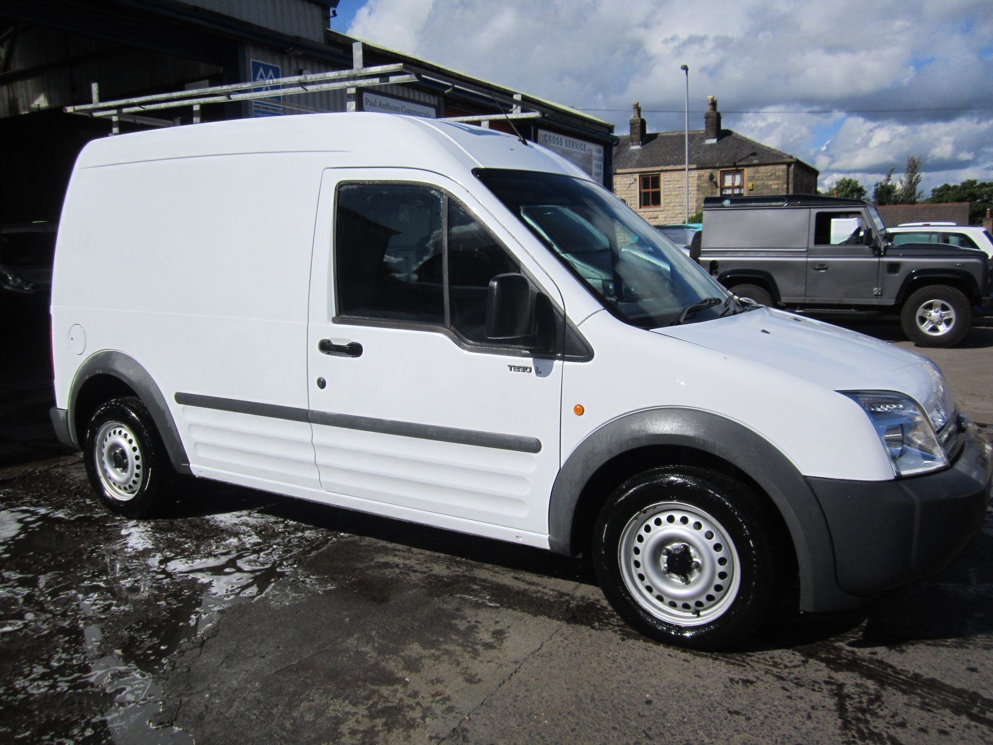 LOW MILEAGE CONNECT T230 90 PS
