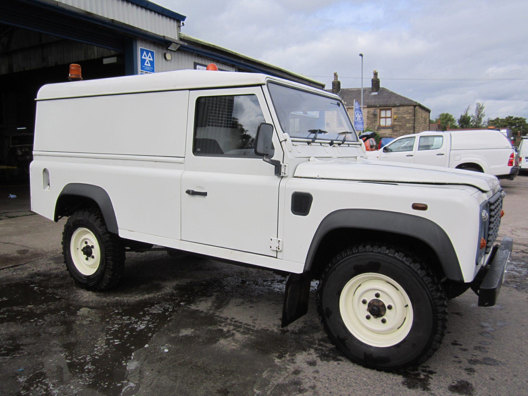 DEFENDER 110 TD5 DIRECT UTILITIES