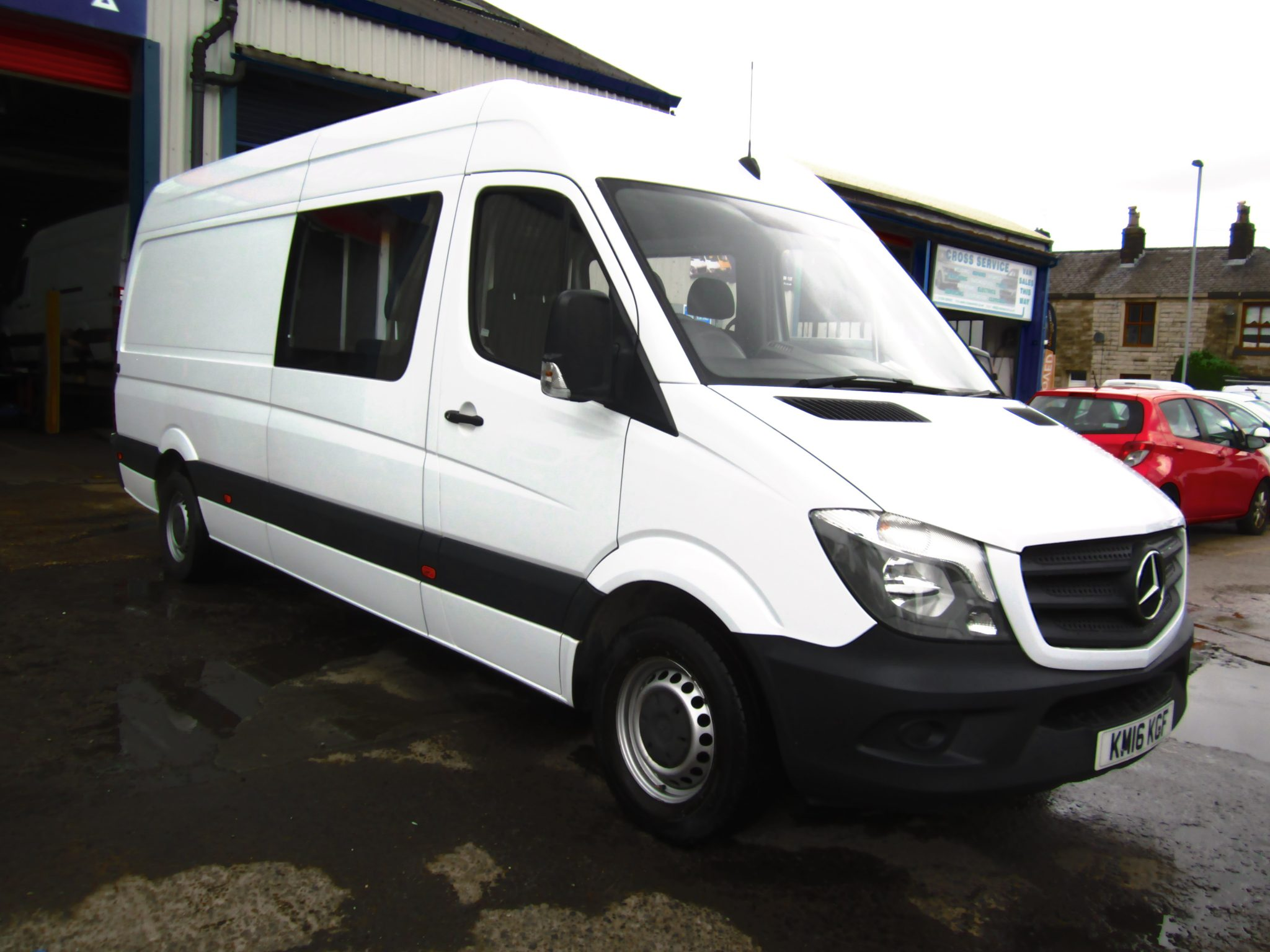SPRINTER 313 FACTORY CREW CAB SIX SEATER